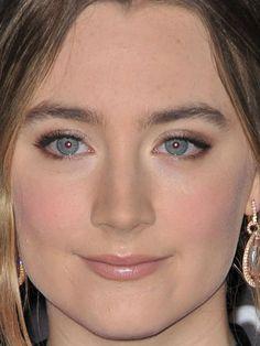 Close-up of Saoirse Ronan at the 2015 LACMA Art+Film Gala. http://beautyeditor.ca/2015/11/16/lacma-art-film-gala-2015