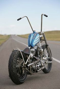 Old school minimalist chopper (even the hand brakes are gone)