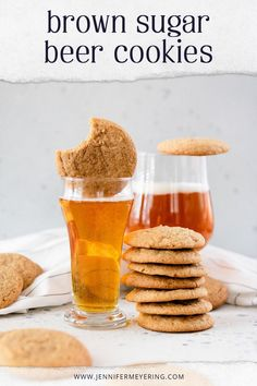 Beer. Cookies. Beer in cookies. Soft and chewy cookies made with your favorite brown ale. Types Of Desserts, Easy Desserts, Delicious Desserts, Yummy Food, Best Dessert Recipes, Cookie Recipes, Beer Cookies, Cookies Soft, Brown Sugar