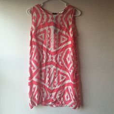 Milly silk tunic  EUC Milly 100% silk tunic patterned dress, just a little wrinkled from hanging in my closet, slip underneath included, side zipper, can be worn with leggings as well! Very cute and perfect for spring  Milly Dresses Mini