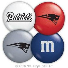 New England Patriots M&Ms wanna get these for my boo someday :)