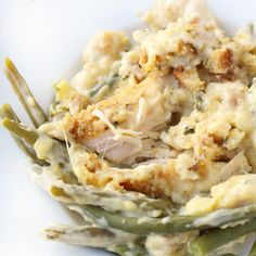 Creamy Crockpot Chicken Stuffing and Green Beans. This looks amazing! This Creamy Crockpot Chicken Stuffing and Green Beans is the one-pot hotdish at its best. It literally takes only a few minutes to put it together. Slow Cooker Huhn, Crock Pot Slow Cooker, Slow Cooker Recipes, Cooking Recipes, Kid Recipes, Eat Clean Crockpot Recipes, Crock Pot Recipes, Fancy Recipes, Simple Recipes