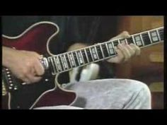 "Phil Keaggy - ""Amazing Grace"" E-Bow Demonstration"