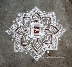Super Ideas for traditional quilting simple Free Hand Rangoli Design, Rangoli Kolam Designs, Rangoli Ideas, Kolam Rangoli, Padi Kolam, Easy Rangoli, Indian Rangoli, Flower Rangoli, Patchwork Quilt Patterns