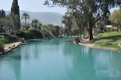 El Parque nacional Gan HaShlosha, también conocido por su nombre árabe Sahne, es un parque nacional en Israel. Situado cerca de Beit Shean, cuenta con agua caliente natural, donde los…