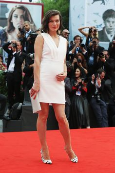 Chow Down: Milla Jovovich, Kim Kardashian & 5 More Stars Reveal Their Pregnancy Cravings