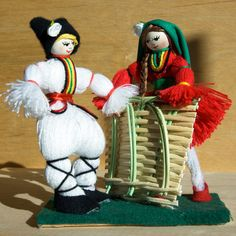 Целогодишно производство и продажба на мартеници за дома, за офиса, за деца и за левскари. Ръчно правени мартеници. Ръчно плетени гривни. Ръчно произведени кукли, сувенири, тарикатски мартеници, мартеница, мартеници, мартенички, marteni4ki, martenica, martenici, martenitsa, martenitsi, hand made, hand made in Bulgaria, ръчно правени кукли, home made doll, hand made doll, hand knitted bracelet, knitted bracelets, Пижо, Пенда, Pizho, Penda, баба Марта, kukli, grivni.