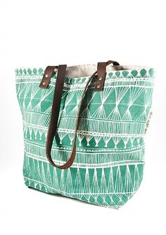 Market Weave Tote Bag. Love this bag for school! Please get me this bag!