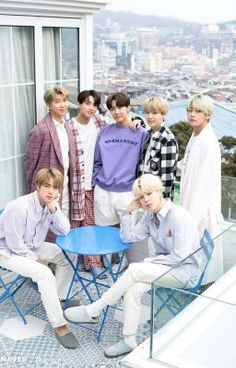Find images and videos about kpop, bts and jungkook on We Heart It - the app to get lost in what you love. Foto Bts, K Pop, Jung Hoseok, Bts Bangtan Boy, Bts Jimin, Seokjin, Namjoon, Taehyung, Bts Dispatch