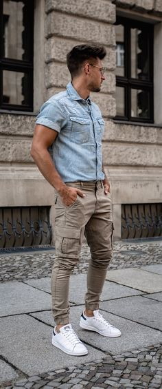 How summer denim can be combined with few fashion stapes to survive this hot season? 10 Summer Denim Looks For Men! Men Fashion Show, Denim Fashion, Men Summer Fashion, Style Fashion, Fashion Outfits, Fashion Tips, Denim On Denim Looks, Summer Denim, Casual Summer