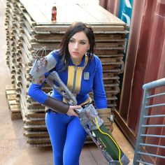 Giada Robin - Fallout Sole Survivor - Cosplay - Fallout Fallout Meme, Fallout Art, Fallout Posters, Cosplay Outfits, Cosplay Girls, Cosplay Costumes, Amazing Cosplay, Best Cosplay, Female Cosplay
