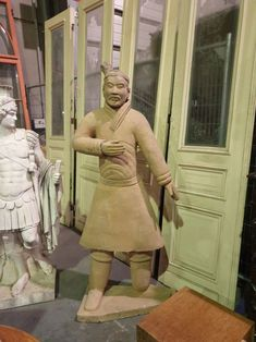 Magnificent Asian terracotta statue from 1950 in good condition. Discover more beautiful items from Christophe Prouveur's collection, a professional Belgian antique dealer, on Transferantique. Terracotta, Asian, Statue, Antiques, Beautiful, Collection, Things To Sell, Antiquities, Antique