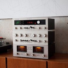 Jazz, Hi-Fi, & Everything Nice! Audio Amplifier, Hifi Audio, Audiophile, Charles Ray Eames, Big Speakers, Little Bit, High End Audio, Music Images, Little Designs