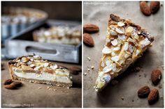 Hruškový koláč s mandlemi (Pear cake with almond) Pear Cake, Nutella, Banana Bread, Almond, Food And Drink, Pie, Sweet, Recipes, Fruit Cakes