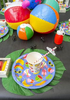 Tips to make your summertime table fun and summery! I'll show you how to make your table look fabulous with very little work. Fruit Party, Luau Party, Diy Party, Diy Craft Projects, Crafts For Kids, Diy Crafts, Summer Parties, Kid Parties, Birthday Parties
