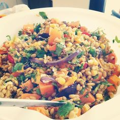 Ancient grains week!! Freekeh salad with roasted butternut squash red onions fresh sweet corn and sweet potato! Complex carbs with high protein Freekeh. Another winner for e grains! #eatclean #protein #eatingmywaytohealth #freekeh #saladgirl #salad #ilovetocook  #mealprepsunday #mealprep #fitfood #soyum #bestfood #freshproduce by shamtherave