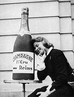 Essential Tips For Buying Champagne Frodo Baggins, Vintage Love, Vintage Images, Prosecco Quotes, Champagne Quotes, Thursday Humor, Ingrid Bergman, Wine Art, In Vino Veritas