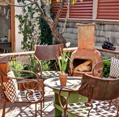 Yessss, I think I'll do something like this in my new backyard, thanks. Cozy Patio, Rustic Patio, Outdoor Rooms, Outdoor Living, Outdoor Furniture, Porch Garden, Moon Garden, Small Sitting Areas, Chiminea