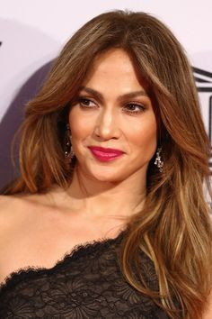 Jennifer Lopez - 50 Celebrity-Inspired NYE Beauty Ideas - Photos