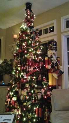 FB friends one of many trees- the nutcracker tree! Christmas Party Themes, Christmas Centerpieces, Christmas Tree Decorations, Christmas Holidays, Types Of Christmas Trees, Holiday Tree, Xmas Tree, Nutcracker Decor, Nutcracker Christmas