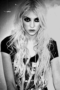 Taylor Momsen-The Pretty Reckless