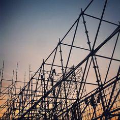 #Men at #work. #Silhouette (presso Piazza del...