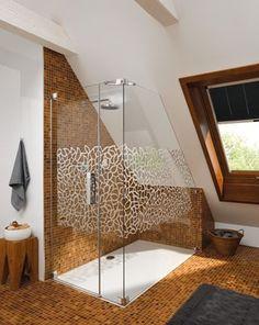 Douche onder schuin dak google zoeken badkamer pinterest met - Idee outs kamer bad onder het dak ...