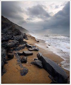 The Jurassic Coast, Dorset, UK - a lovely place from where i live Landscape Photography, Nature Photography, Weymouth Dorset, White Cliffs Of Dover, Dorset Coast, Sea Storm, South West Coast Path, Living In England, Jurassic Coast