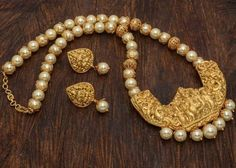 Traditional Temple Jewellery off Pearl Necklace Designs, Pearl Jewelry, Wedding Jewelry, Beaded Jewelry, Silver Jewelry, Silver Rings, Pendant Jewelry, Jewelry Rings, Gold Jewelry Simple