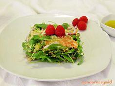 Aprende a preparar Ensalada de quinoa con salmón ahumado con esta rica y fácil receta. La quinoa no es un cereal ni tampoco es una legumbre, sino que es un grano con una composición... Avocado Toast, Breakfast, Recipes, Food, Tinkerbell, Quinoa Salad Recipes, Healthy Salads, Vegetarian Recipes, Cooking Recipes