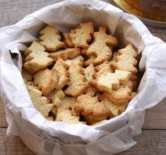 Christmas Cookie Recipes 96264 Lemon Christmas shortbread with thermomix. Here is a recipe for Christmas shortbread with lemon, simple and easy to make at home with the thermomix. Sugar Cookies From Scratch, Cookie Recipes From Scratch, Easy Christmas Cookie Recipes, Easy Cookie Recipes, Oatmeal Recipes, Snack Recipes, Lemon Shortbread Cookies, Shortbread Recipes, Thumbprint Cookies Recipe