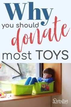 When it comes to toys, research says less is more. Find out on Parenting from the Heart how to organize, minimize, and donate toys. You can do it, and you can even get your children involved! Get your FREE printable and find out how! Downsize your kids' toys for their benefit and yours. #toys #parenting #parentingtips #motherhood #organization #donate #freeprintable Parenting Articles, Parenting Hacks, Parenting Toddlers, Declutter, Organize, Strong Willed Child, Positive Discipline, Learning Through Play, Less Is More