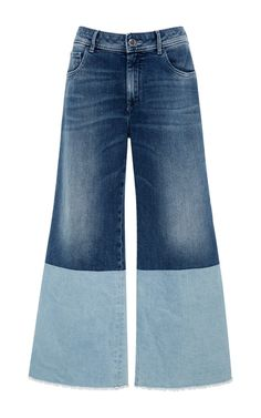 These wide-legged jeans by Seafarer give your warm-weather denim a fashion-forward update with its duo-toned design and cropped fit.