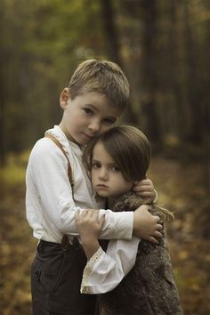 Little Boy Photography, Children Photography Poses, Family Photography, Sibling Photo Shoots, Sibling Poses, Siblings, Precious Children, Beautiful Children, Brother Sister Pictures
