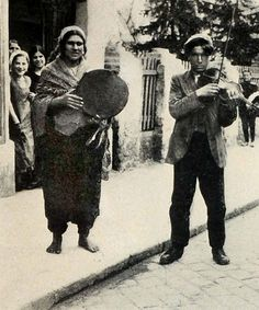 Balkans. Street Gypsy musicians. 1928.