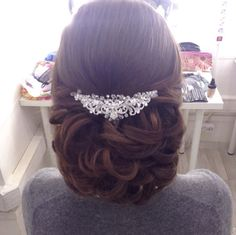 Fashionable Wedding Hairstyles -  For more amazing ideas visit us at http://www.brides-book.com and remember to join the VIB Ciub