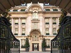 A 5 star Edwardian Hotel just steps from Covent Garden. Check prices and availability for Rosewood Hotel London, today. Rosewood London, Rosewood Hotel, Covent Garden, Palaces, Le Riad, Hotel World, Beste Hotels, Most Luxurious Hotels, London Hotels