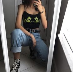 Light was mom jeans. Black high top comverse - Black Belt - Ideas of Black Belt - Black graphic crop top. Light was mom jeans. Aesthetic Fashion, Look Fashion, 90s Fashion, Aesthetic Clothes, Korean Fashion, Fashion Outfits, Fashion Ideas, Fashion Quiz, Chubby Fashion