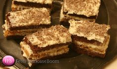 Fete Frumoase Boom: Retete Prajituri Morena FeteFrumoaseBoom Tiramisu, Ethnic Recipes, Desserts, Food, Tailgate Desserts, Deserts, Essen, Dessert, Tiramisu Cake