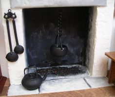 how to: kitchen hearth fireplace, actually a whole kitchen  IDEA for ROOM BOX Diy Doll Miniatures, Dollhouse Miniature Tutorials, Miniature Rooms, Miniature Kitchen, Miniature Houses, Miniature Furniture, Diy Dollhouse, Dollhouse Furniture, Haunted Dollhouse