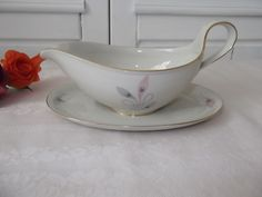 http://de.dawanda.com/product/65678759-Sauciere-Eschenbach-Porzellan-Vintage