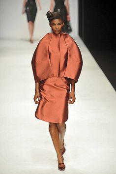JASPER CONRAN Fall 2010 Ready-to-Wear Collection