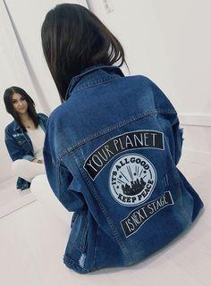 Dłuższy model jeansowej katanki z kołnierzem. Oversize Look, Oversized Jeans, Ralph Lauren Jeans, Models, Katana, Planets, Denim, Jackets, Style
