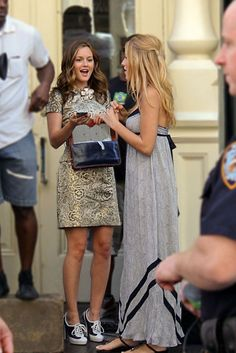 I LOVE the dress Blake Lively is wearing.