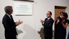 François Hollande and Bernard Arnault unveiled the inauguration plaque © Fondation Louis Vuitton