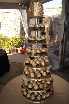 A tower of golden cupcakes!