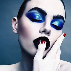 BLACK & BLUE 🖤💙🖤💙 LIVING for this MAJESTIC #DARKSTAR006 Version: UltraViolet Blue #inspired look on model @charlihoward by MESMERIZING #MUA @lindawickmann and photo by @desiree_mattsson. Model ⚡️⚡️⚡️ @charlihoward #patmcgrathlabs006 available NOW on Sephora.com and select @Sephora locations.