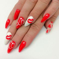 19 valentines day nail art ideas to try this year 19 Valentines nail designs you'll absolutely love. Beautiful, easy, creative nail art designs perfect for valentines day. Red Nails, Love Nails, Gorgeous Nails, Pretty Nails, Valentine's Day Nail Designs, Nails Design, Valentine Nail Art, Beautiful Nail Designs, Holiday Nails