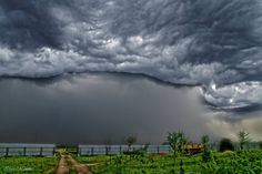 We visited some friends in a farm and we ended up chasing storms on April 2015. Lipetsk-Russia