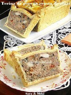 Terina de porc in crusta de aluat ~ Culorile din farfurie Romanian Food, French Food, Dessert Recipes, Desserts, Carne, Banana Bread, French Toast, Food Photography, Sandwiches